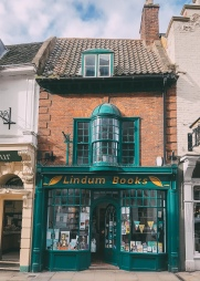 Bailgate is one of the most historic parts of Lincoln's Cathedral Quarter, where independent boutiques, shops and places to eat line cobbled streets